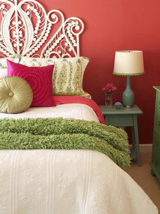 decoracao de quarto em verde e vermelho
