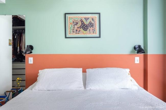 quarto decorado em verde e laranja