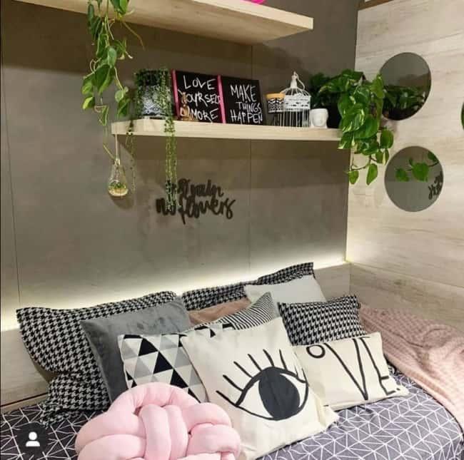 quarto moderno com parede de tinta cimento queimado