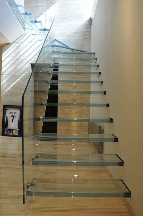 escada de vidro clean e em L