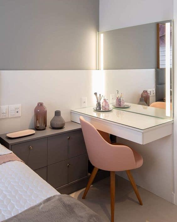 cadeira confortavel para penteadeira no quarto
