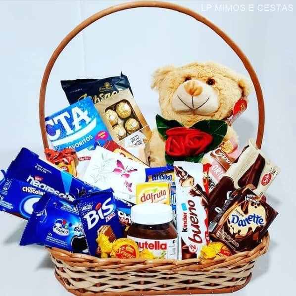 cesta de chocolate grande com ursinho