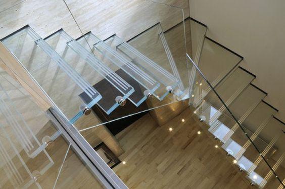 modelo de escada de vidro em L