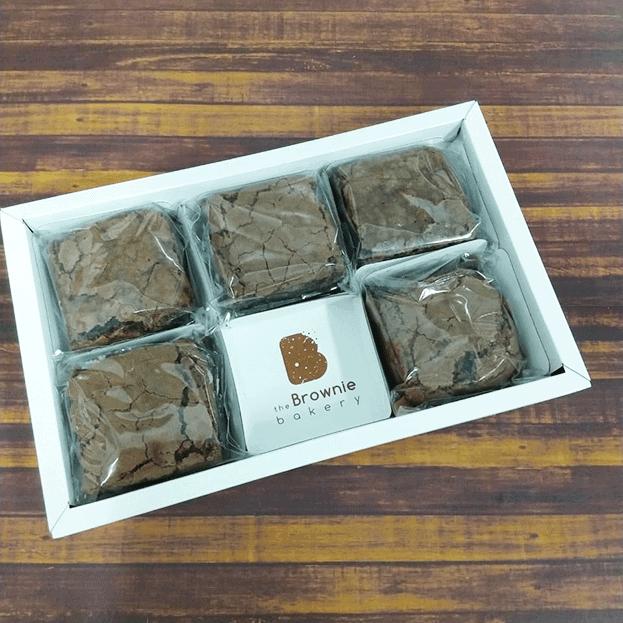caixinha com kit de brownies