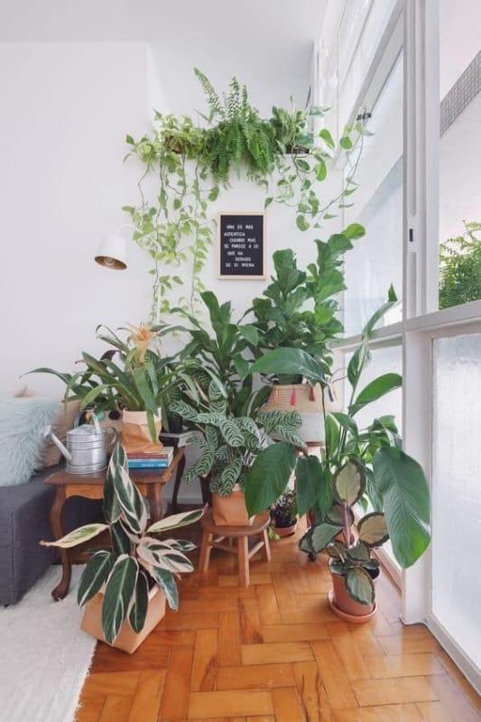 decoracao urban jungle na sala