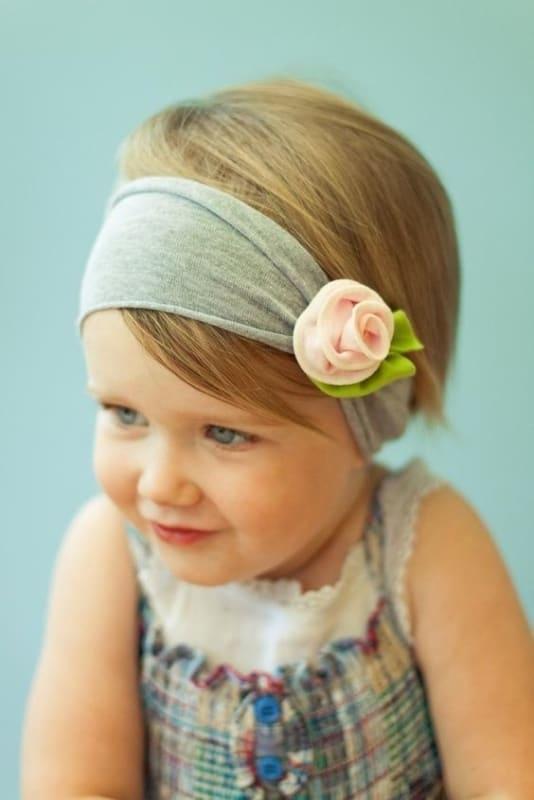 tiara de crianca com flor de tecido simples