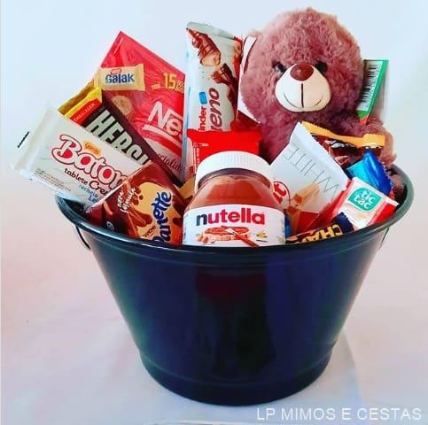 ideia criativa para montar cesta de chocolate