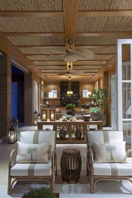 cadeira de bambu com almofadas para varanda