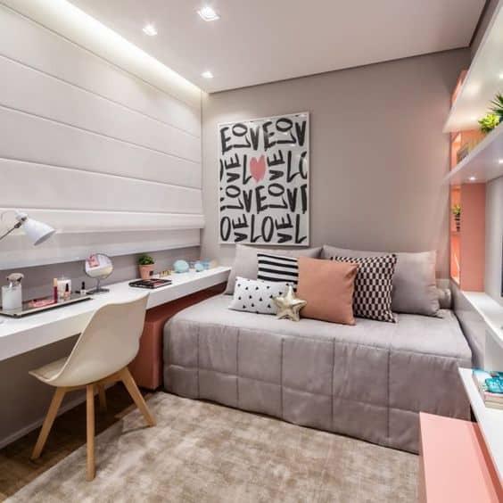 quarto feminino em cinza claro e rosa