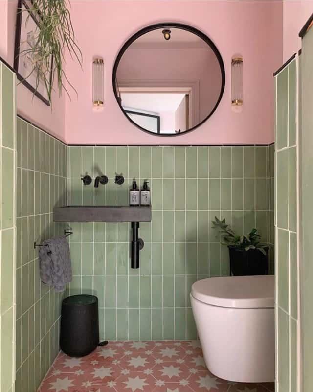 banheiro verde e rosa