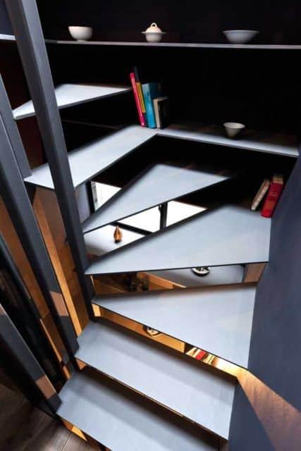 escada moderna de ferro