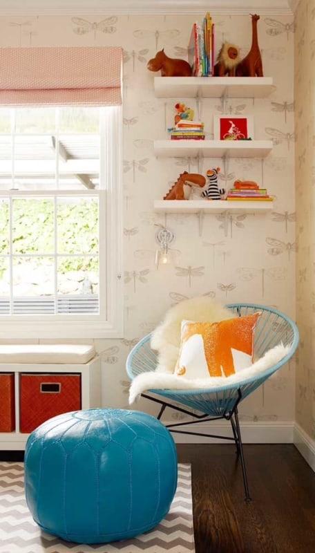 decoracao de quarto infantil com cadeira acapulco azul