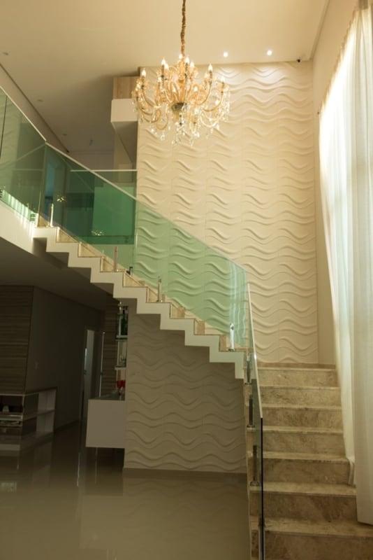 escada de marmore com patamar