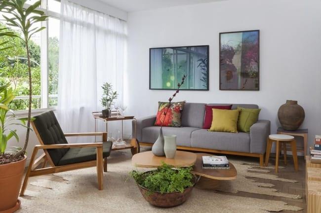 sala com cadeira confortavel para idoso