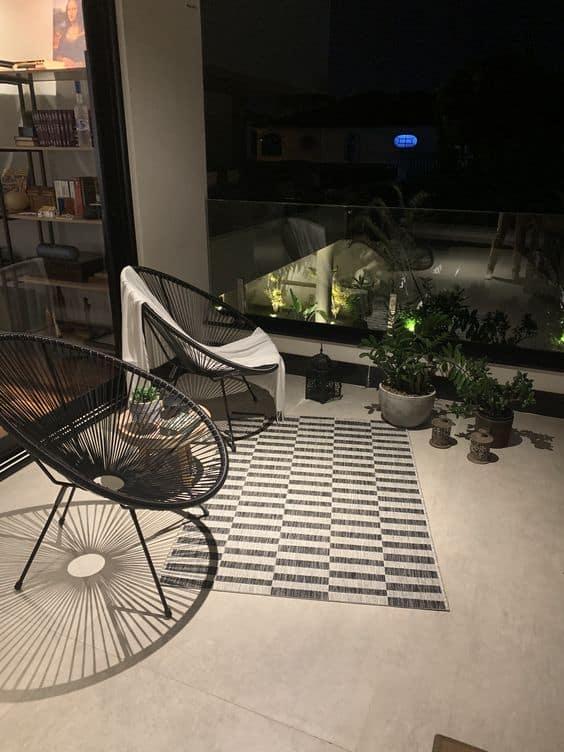 varanda moderna com cadeiras confortaveis