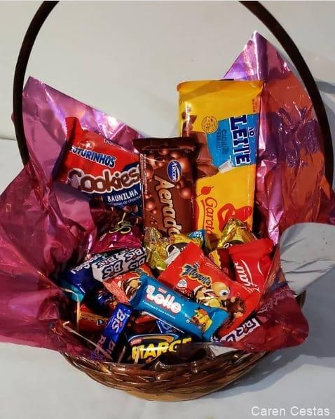 modelo de cesta de chocolate pequena e simples