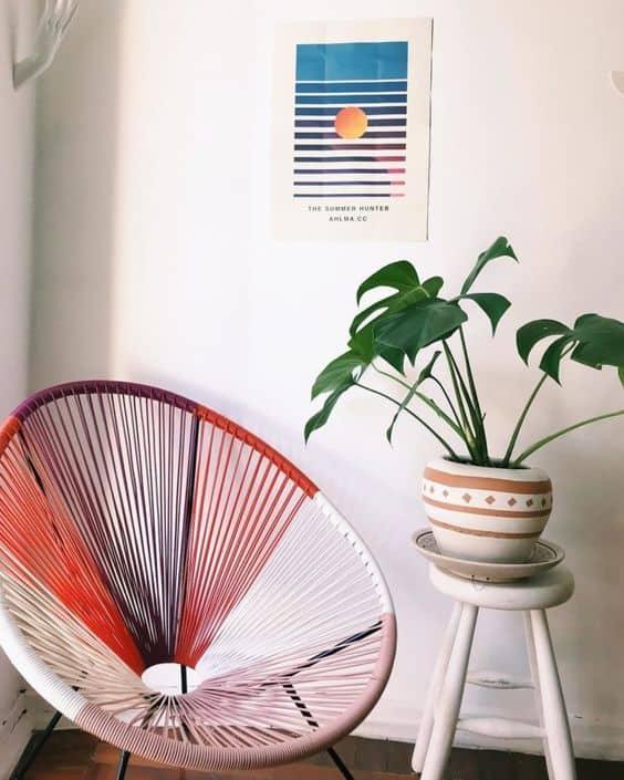 cadeira acapulco com cordinhas coloridas