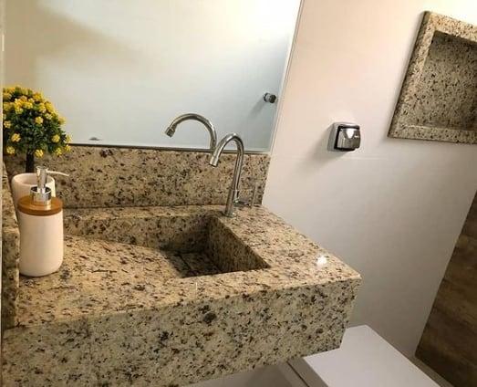 banheiro com granito amarelo Santa Cecilia