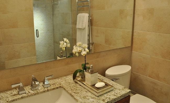 banheiro moderno com granito Santa Cecilia
