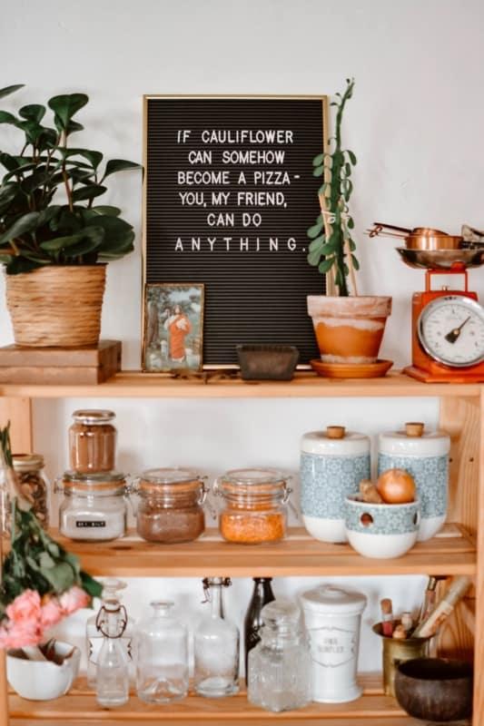 decoracao da cozinha com letter board