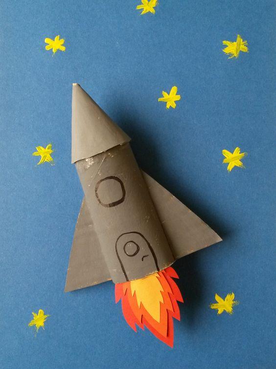 foguete de material reciclavel