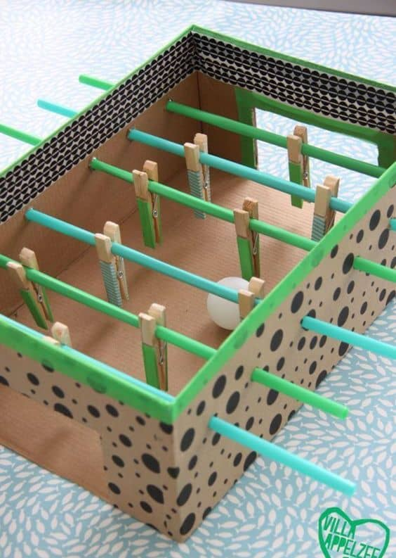 brinquedo reciclado com caixa de sapato