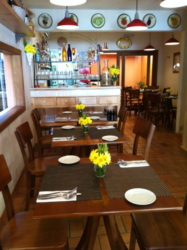 restaurante caseiro pequeno e aconhegante
