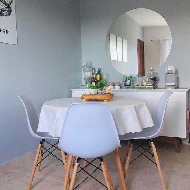 Mesa redonda com cadeira Eames
