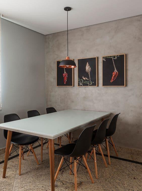 Modelo de cadeira Eames na cor preta