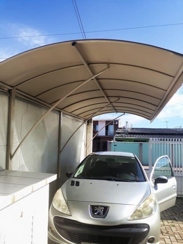 garagem simples com toldo fixo