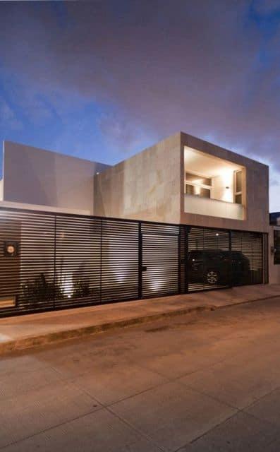 casa moderna com portao de grade preto