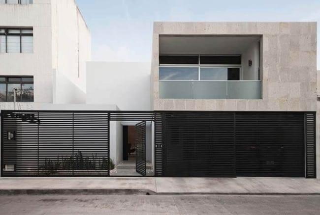 fachada de casa moderna com portao social vazado