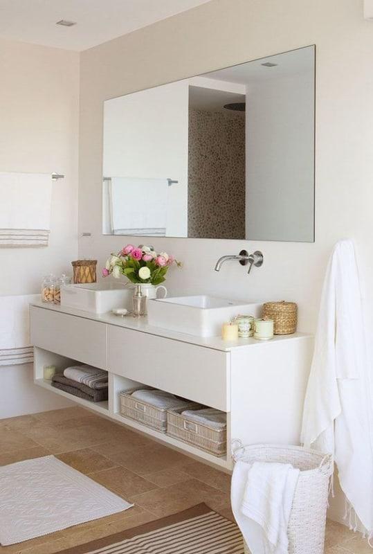 banheiro off white com bancada dupla
