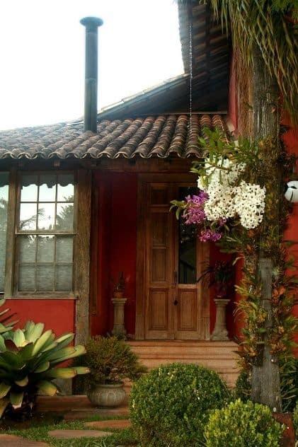 casa de campo com porta de entrada rustica