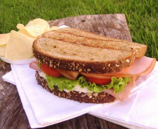 sanduiche natural de peito de peru