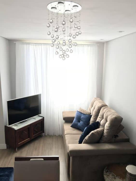 sala de tv pequena com cor calopsita suvinil