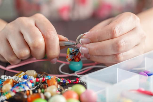 ideia de atividade lucrativa para menor de idade