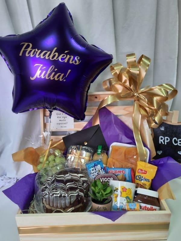 cesta de aniversario RP Cestas