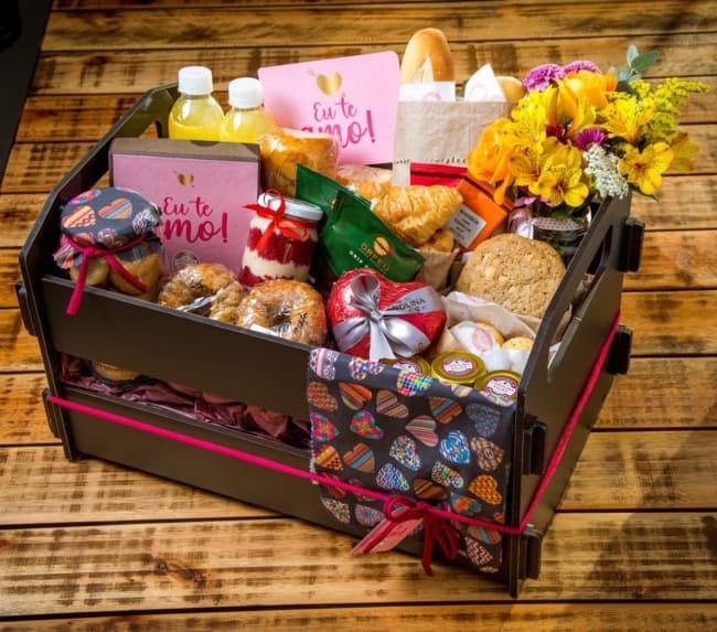 cesta comemorativa para dia dos namorados