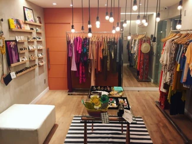 decoracao moderna para boutique de roupas em casa