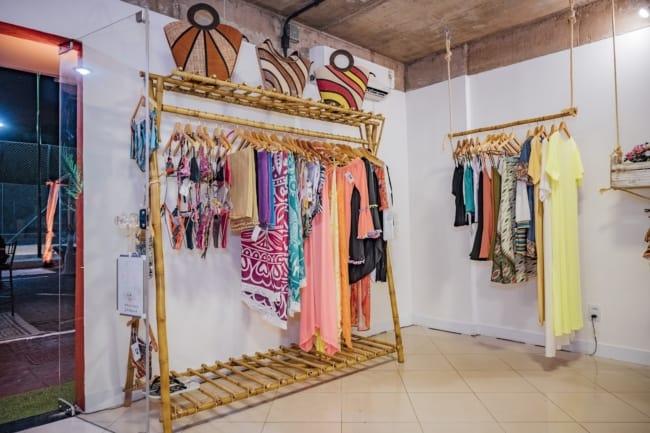 estilo descolado para loja pequena de moda praia