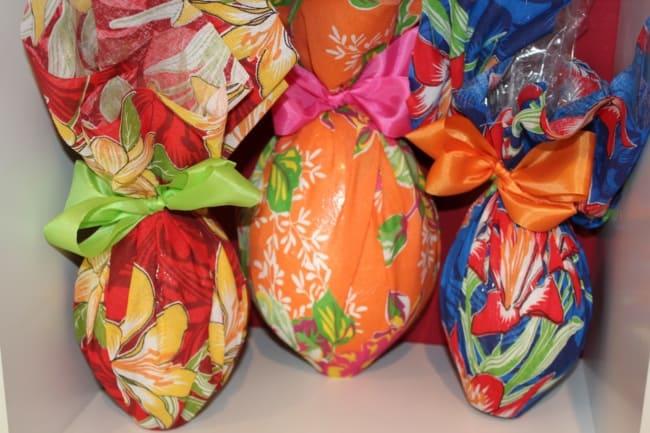 embalagem de ovo de pascoa feita com chita