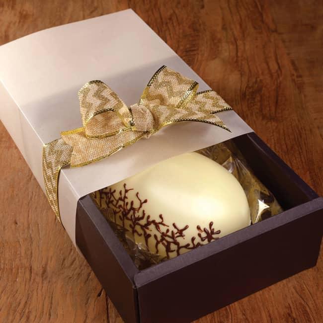 ovo de pascoa embalado em caixa
