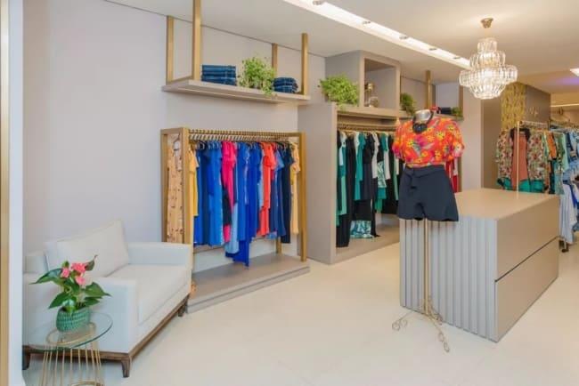 decoracao de loja de roupas moderna