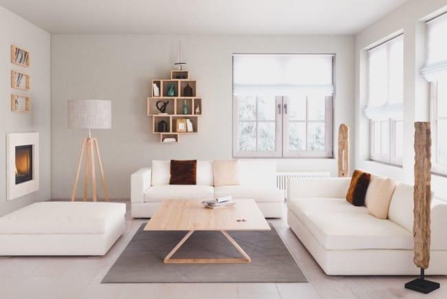 sala clean com objetos de madeira