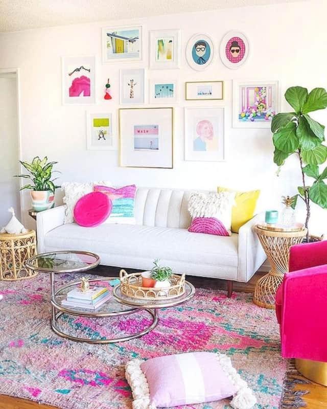 tons de rosa amarelo e azul na decoracao