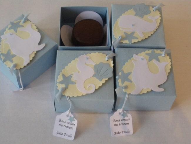 caixinha decorada e personalizada para pao de mel