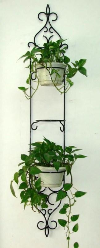 floreira de ferro pequena e de parede