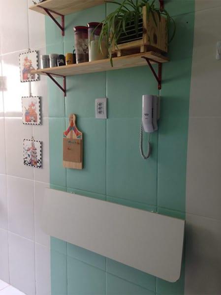 cozinha com azulejo pintado de verde