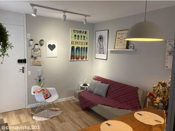 decoracao de sala moderna com parede cor cromio Suvinil